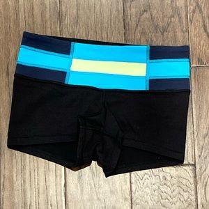 Size 4 Lululemon Black Boogie Short *Full-On Luon